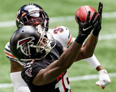 #Atlantafalcons, #Dirtybirds, #NFL, Calvin Ridley catches a pass