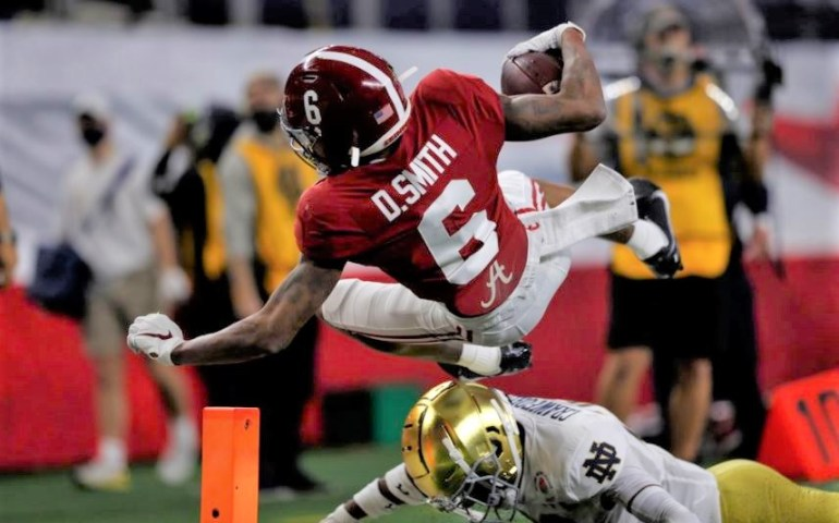 #bama, #CrimsonTide, Devonta Smith wide receiver Alabama
