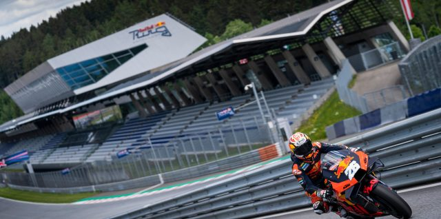 PHOTOS: Espargaro and Pedrosa undertake private MotoGP test