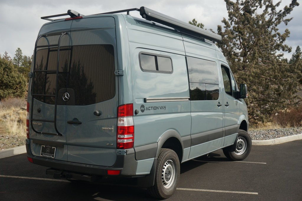 Action Van, Weekender+ Mercedes-Benz Sprinter, 144 Wheel base, 4×4