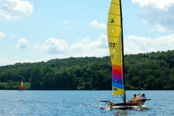 sailing at moraine state park near pittsburgh pennsylvania