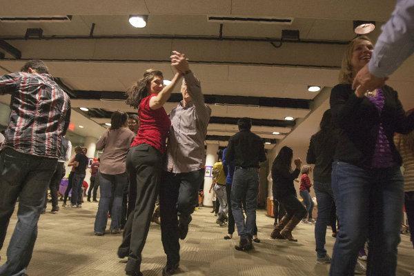 salsa dancing groups meet at various locations throughout pittsburgh pennsylvania