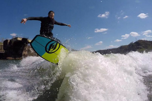 people can surf on the three rivers in pittsburgh pennsylvania