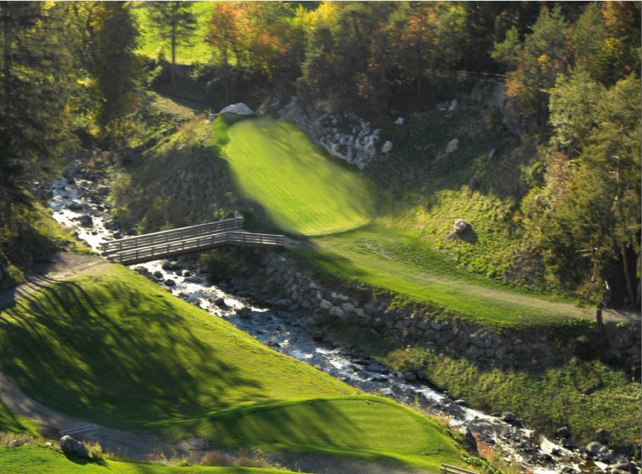 Vista sulla spettacolare buca Nr. 4 del Golf Club Castelrotto / Alpe di Siusi