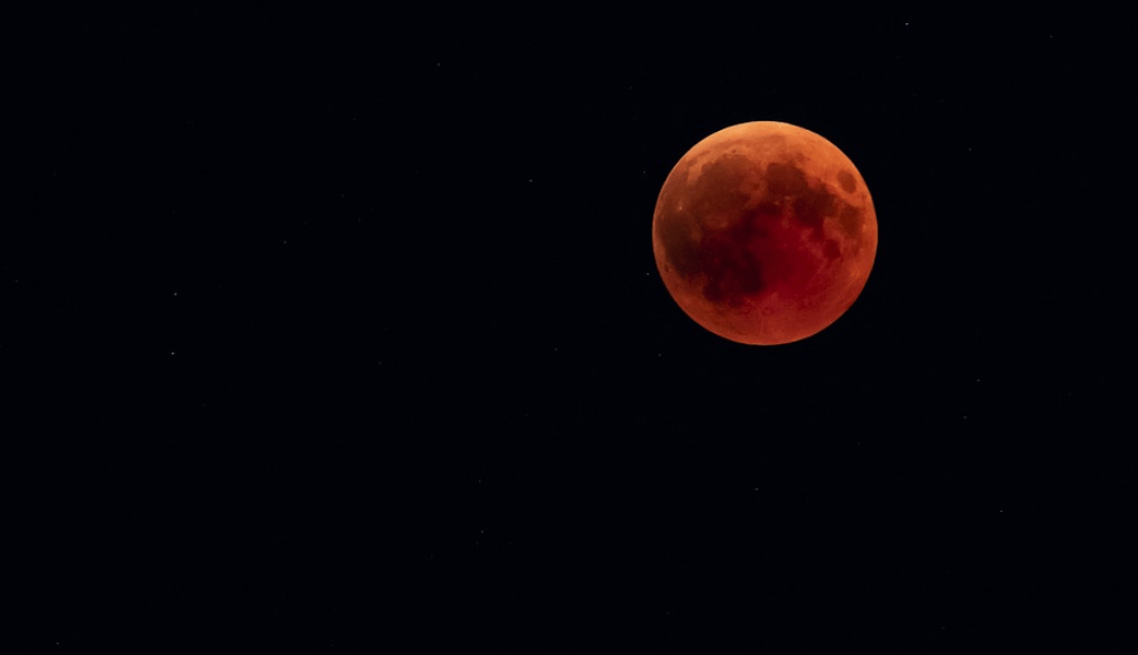 A Total Lunar Eclipse Called The Super Blood Wolf Moon Is