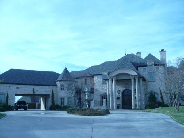LUBBOCK'S LARGE LUXURY HOMES