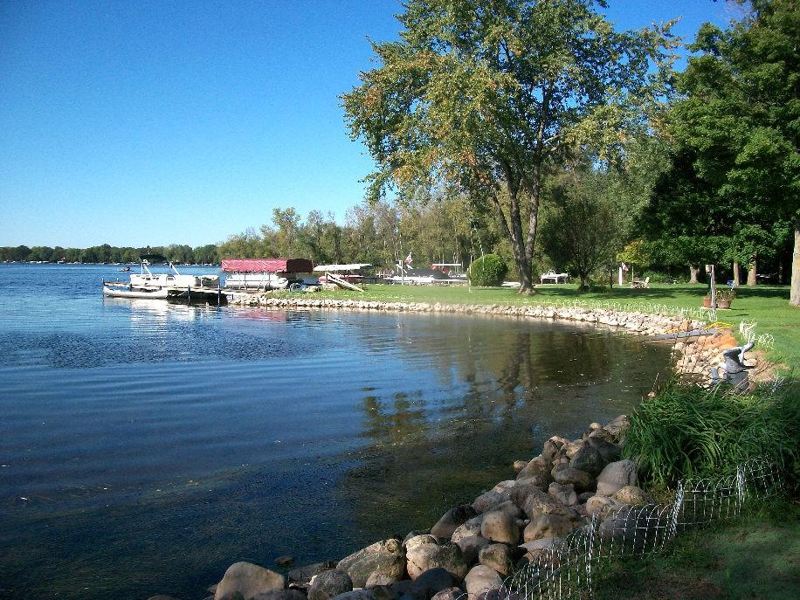 waukesha county lake homes,waukesha county lake properties for sale,waukesha county lake property,lake homes for sale in the lake country and waukesha county real estate