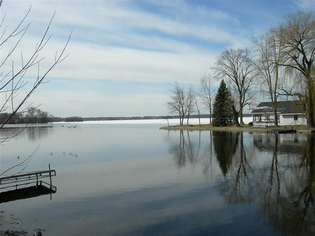 waukesha county lake homes,lake homes for sale in waukesha county wisconsin,tom braatz
