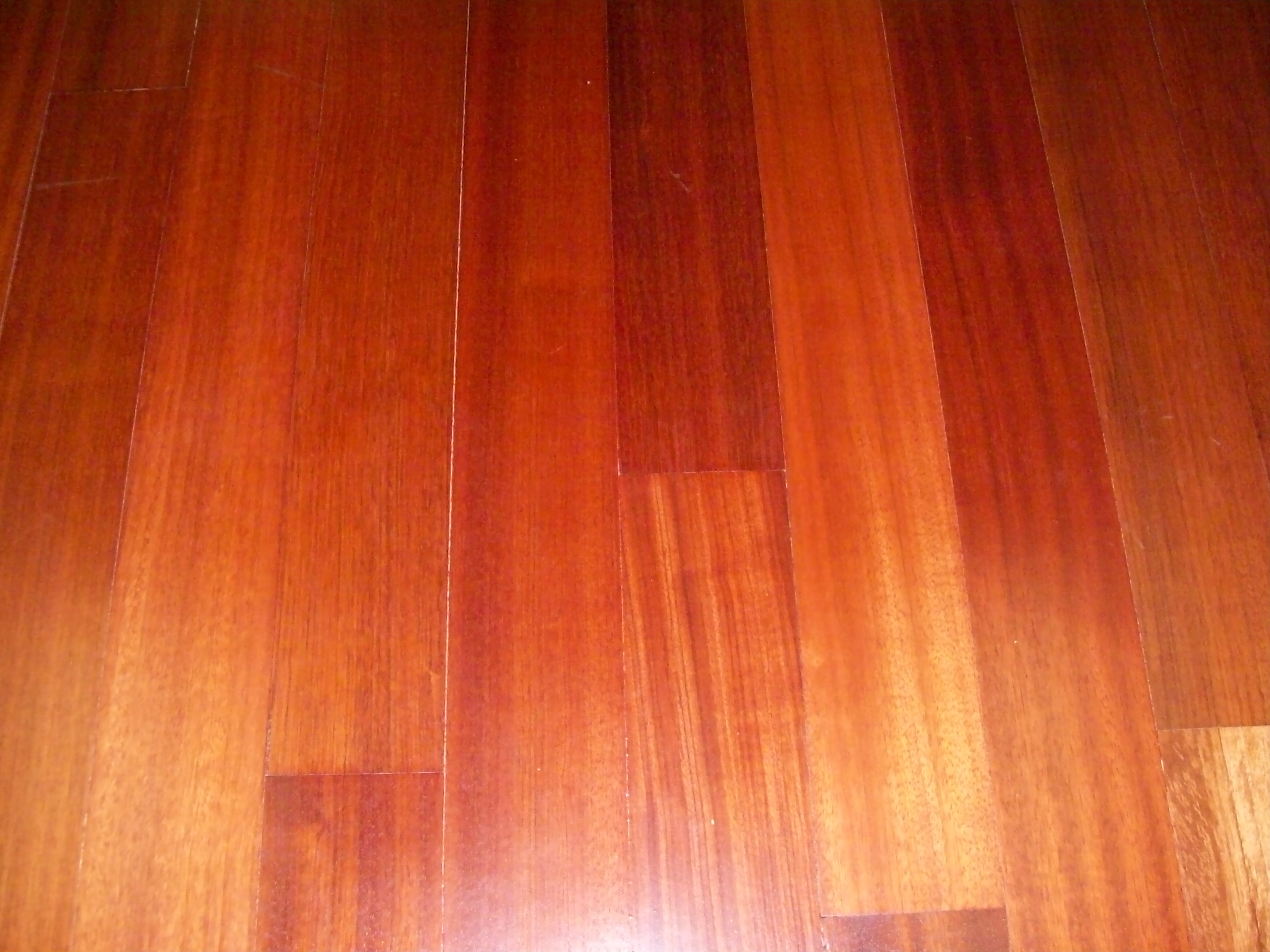 Main Difference Between Hardwood And Laminate Flooring