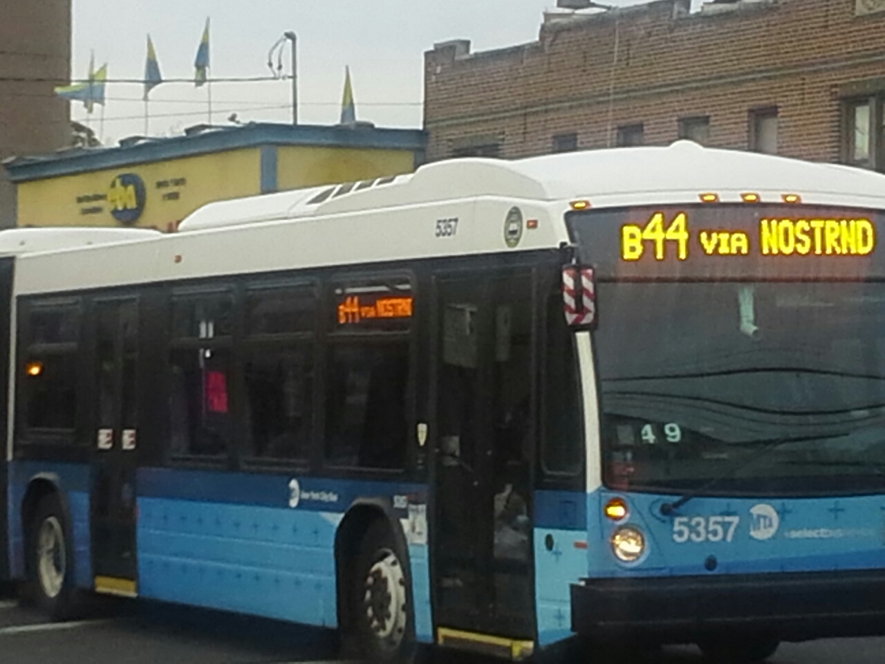 mta bus, seeing brooklyn by bus. real estate agents in brooklyn