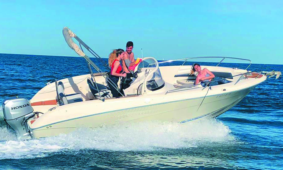 Boat rental to go to Tabarca in Torrevieja