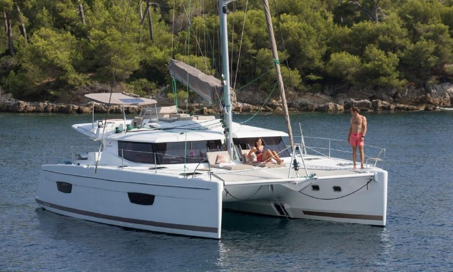 CATAMARAN FOR RENT AND PARTIES AT TORREVIEJA BOAT