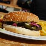 【モヤさま2 湯河原】カオスバーガー・スピルバーグな『ハンバーガーショップ カオス』のお店・メニューを紹介