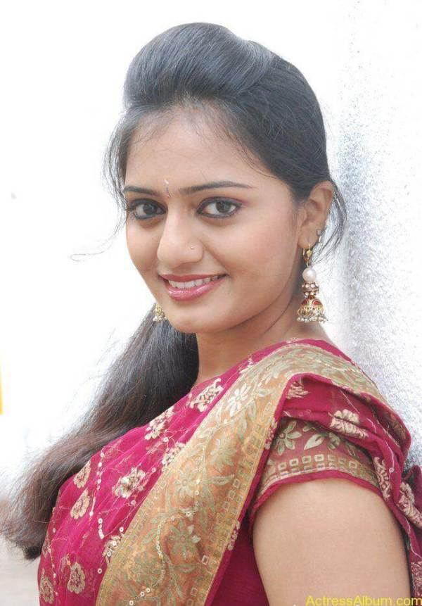 TV Serial artist aishwarya hot stills in saree - Actress Album