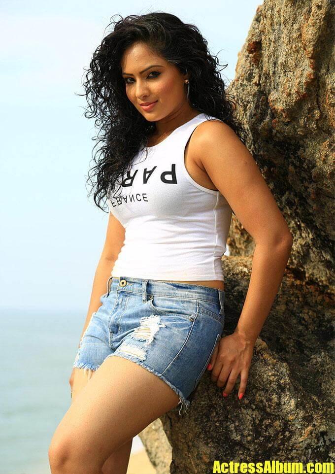 Nikesha Patel Hot Pics Actress Album
