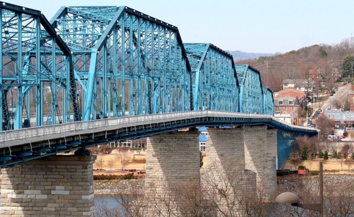 walnut_street_bridge_viewed_from_coolidge_park_-_chattanooga
