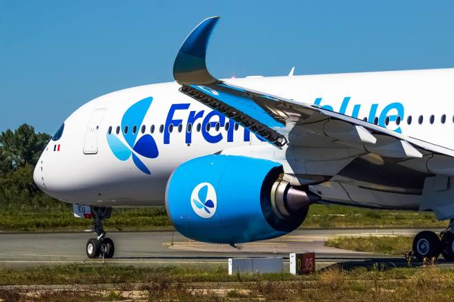 A350-941 French Blue F-HREU au roulage à Bordeaux