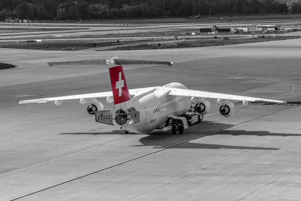 Avro RJ100 HB-IZY
