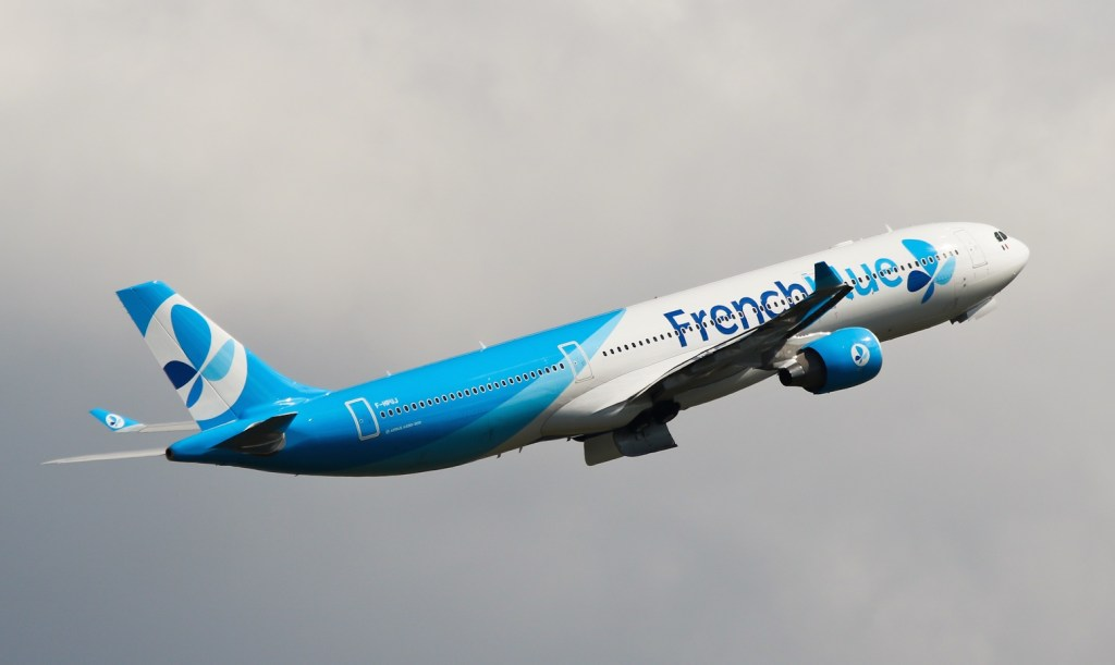 F-HPUJ A330 French Blue
