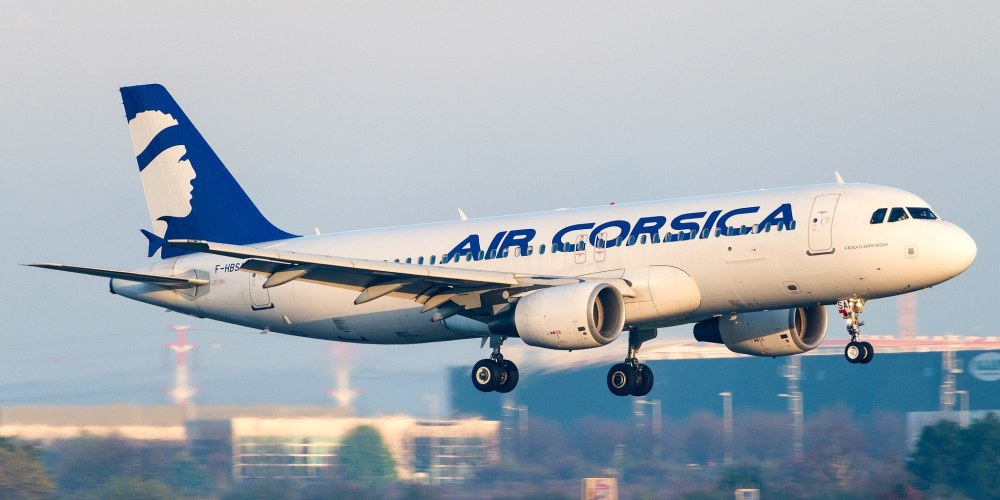 Airbus A320-216 Air Corsica F-HBSA