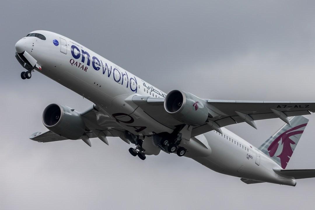 1er A350 Qatar livrée One World F-WZFO / MSN143 / A7-ALZ