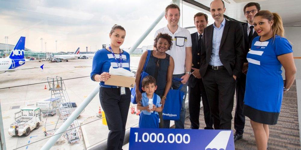 le millionième passagers de Joon à son arrivée à Paris