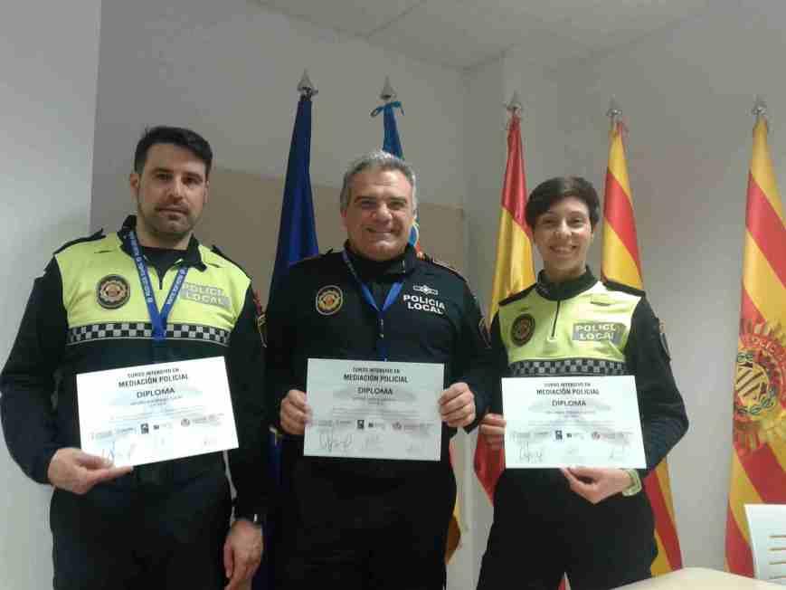 El inspector-jefe y dos agentes más de la Policía Local de Segorbe se forman en mediación policial