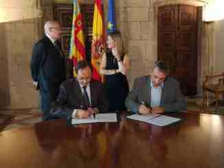 El Alcalde de Segorbe firma el convenio para la prestación de asistencia para hacer la Renta en Segorbe