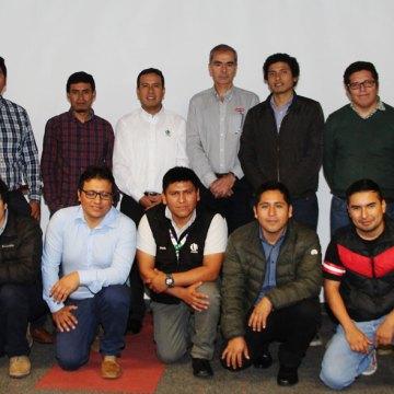Invetsa desarrolló charla de los equipos pecuarios de Chore Time a profesionales de San Fernando