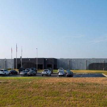 Aviagen inaugura su 9° y más grande planta incubadora en EE.UU.