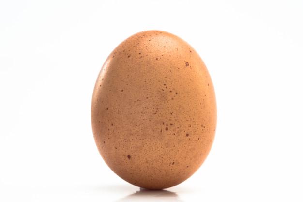huevo-manchado_13339-15988