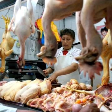 Covid-19: venden a S/3.50 el kilo de pollo en Comas