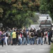 En disturbios terminó el regreso a clases en el Poli