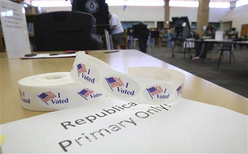 Arlington el 1 de marzo de 2016. Este martes hay elecciones primarias en más de una decena de estados, una jornada electoral conocida como Supermartes y que ayudará a definir aún más la carrera presidencial en EEUU. (Foto AP/LM Otero)