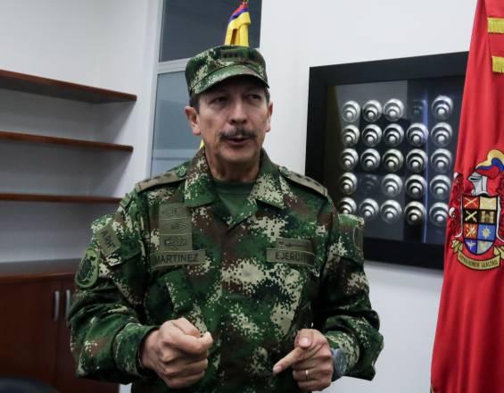 GENERAL NICACIO MARTÍNEZ HABRÍA AUTORIZADO 'CHUZADAS' A POLÍTICOS Y PERIODISTAS: SEMANA