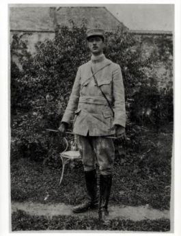 1916_05_capitaine de gaulle