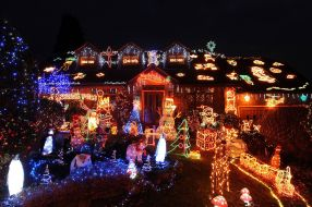 Christmas-lights-on-the-house-of-Malcolm-and-Wendy-Molloy