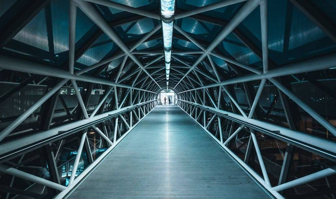 Symétrie parfaite à Londres par @m.visuals