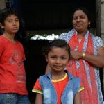 Familia-India-en-la-calle