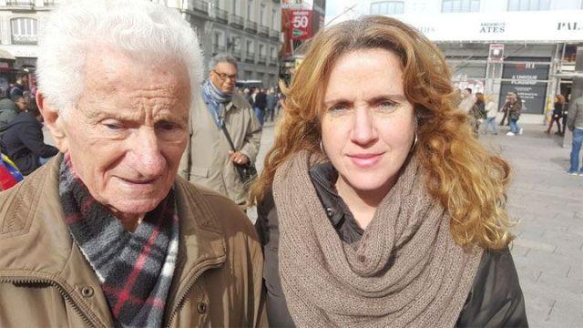 Manuel Franco (91 años), acompañado de su hija Ana Belén Franco López.