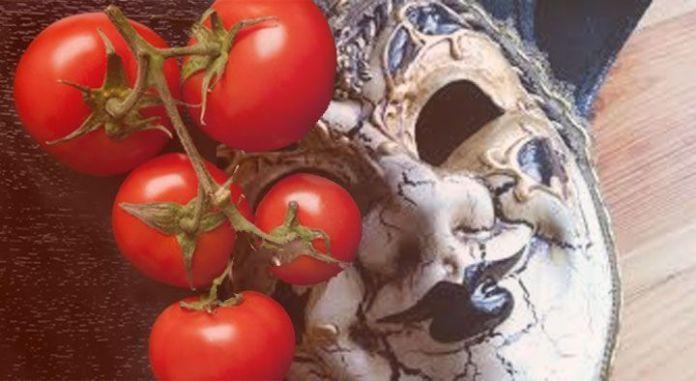 La catarsis del tomatazo, por JOSÉ ANTONIO GARCÍA