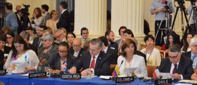 Tierra firme y el Caribe se acercan a un consenso para maniatar a Maduro
