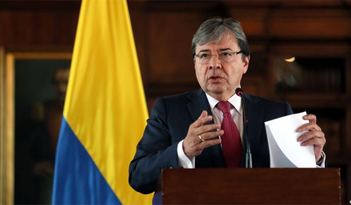 Colombia no pedirá pasaporte a venezolanos