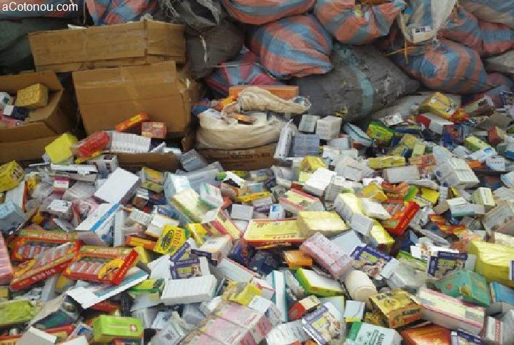 AFRIQUE DE L'OUEST :  saisie de 420 tonnes de médicaments de contrebande