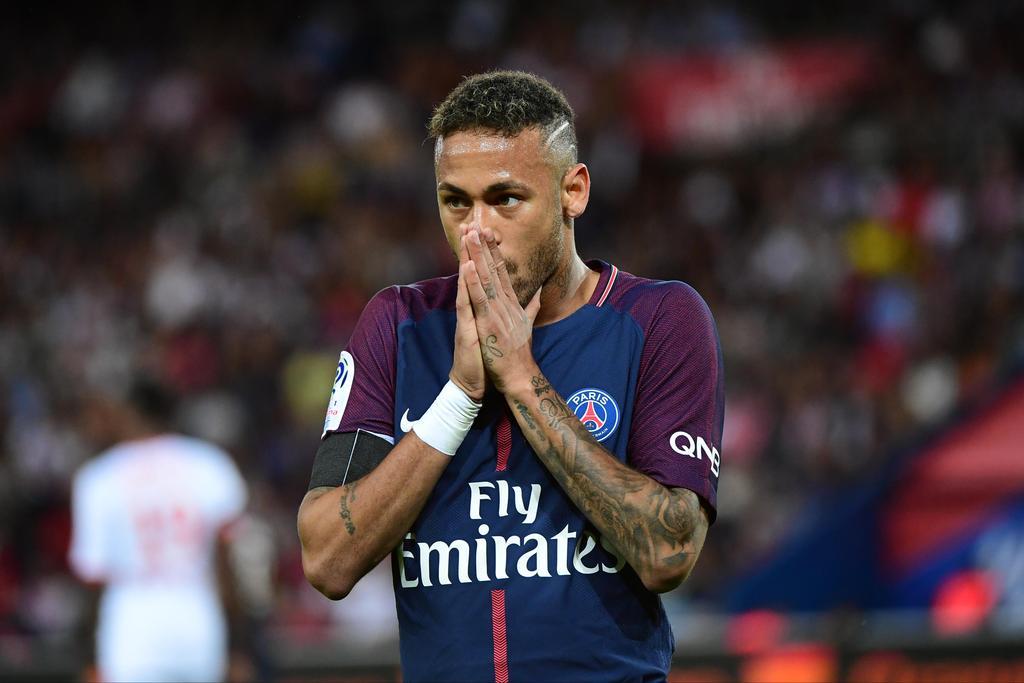 FOOTBALL : le Barça porte plainte contre Neymar pour non-respect de son contrat