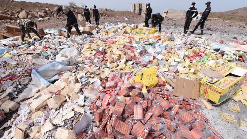 BENIN : quatre ans de prison pour sept distributeurs de faux médicaments