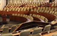 ALGERIE : 200 députés du pouvoir refusent  l'accès du Parlement  à son président