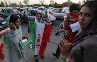 FOOTBALL: l'Iran autorise les femmes à aller au stade
