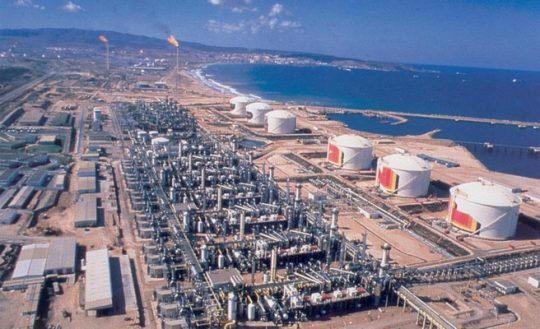 Région pétrolière d'Arzew dans l'ouest de l'Algérie - Archives