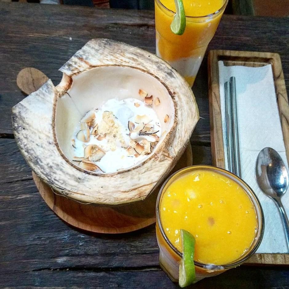 noix de coco bali et fruits